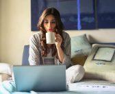 Unele studiouri ofera si sansa de a lucra de acasa
