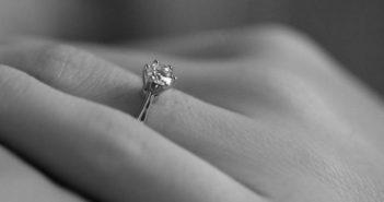 Cum sa alegi inelul de logodna potrivit – ghid complet adresat publicului masculin